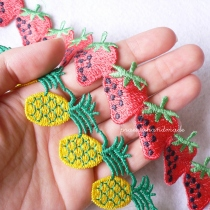 strawberry or pineapple ribbon ริบบินผลไม้ at Blisby