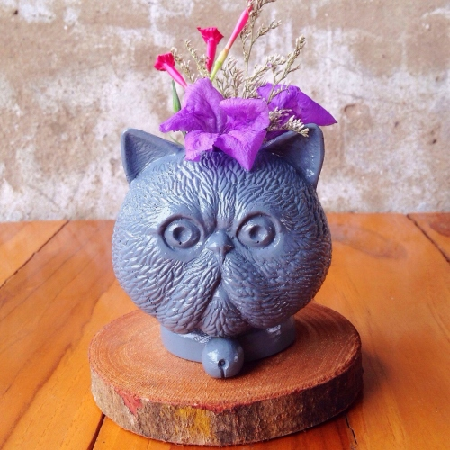 grey cat planter large image 0 by pimlate