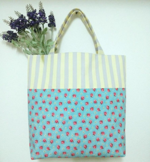 กระเป๋าถือ Tote large image 1 by Moonpolkadot
