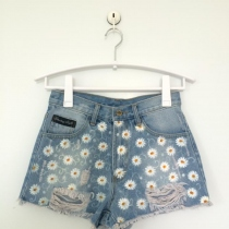Hand-painted short jeans pants at Blisby