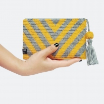 yellow clutch  at Blisby