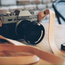 Nude - classic fixed camera strap at Blisby