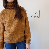 Nude turtleneck sweater [Bronw] at Blisby
