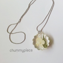 flower necklace at Blisby