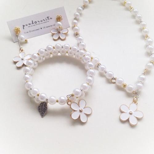 {white pearl with daisy necklace} large image 2 by pandorarita