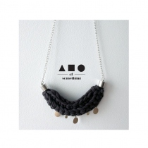 NECKLACE (DARK GREY) at Blisby