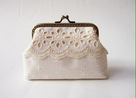 Lace Card Holder กระเป๋าใส่นามบัตร สีครีม large image 0 by TunyTinyTreats