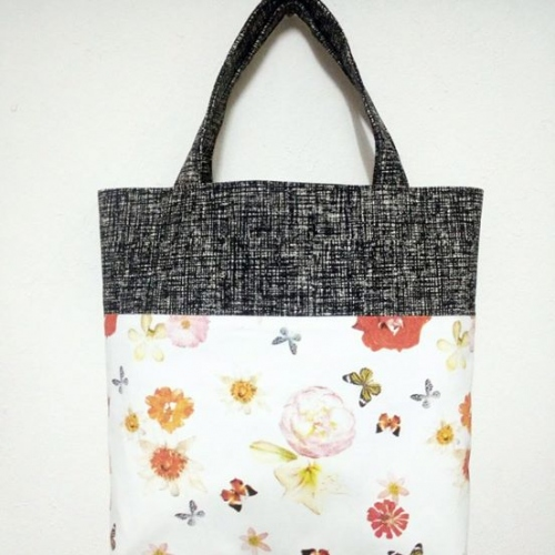 กระเป๋าถือ Tote large image 2 by Moonpolkadot