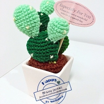 middle cactus crochet 002 at Blisby