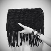 FRINGE CLUTCH (BLACK) at Blisby