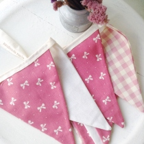 Flags Bunting {Bow&Gingham} at Blisby
