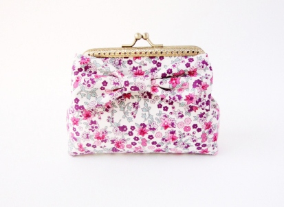 Card Holder / Floral Wallet Coin กระเป๋าใส่เงิน ลายดอกไม้สีชมพู  large image 0 by TunyTinyTreats