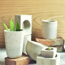 Concrete Pots at Blisby