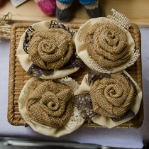 Natural Ruffled Burlap Flower (สำหรับตกแต่งของขวัญ) at Blisby