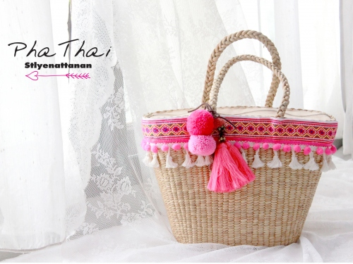 pompom bag large image 0 by phathaistlyenattanan