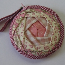 Blooming coin pouch กระเป๋าใส่เหรียญ at Blisby
