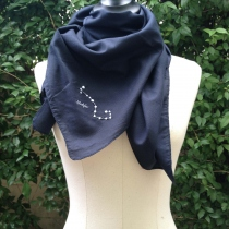 SCORPIO scarf (90x90 cm) at Blisby