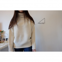 Nude turtleneck sweater [Cream] at Blisby