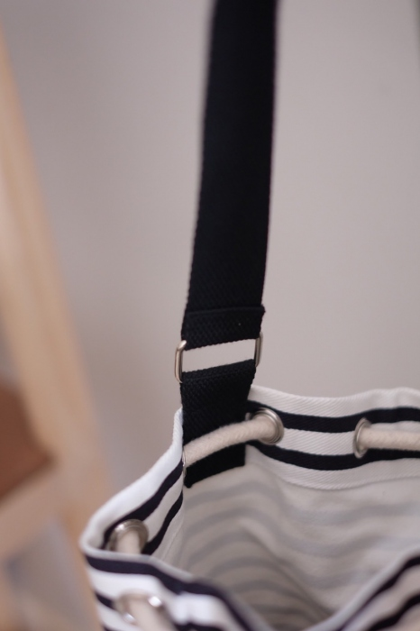 STRIPE TWO-TONE BUCKET BAG large image 4 by lamoonlife