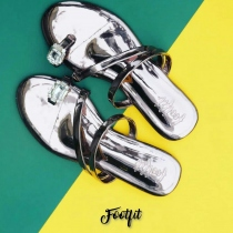 Footfit-รองเท้า Dazzling sandals in dark silver  at Blisby