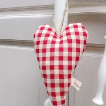 Heart Hanging {gingham} at Blisby