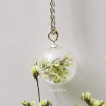 Dry flower ball necklace at Blisby