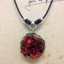rose red necklace สร้อยกุหลาบแดง at Blisby