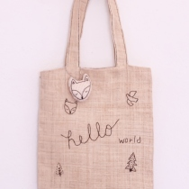 hand embroidery tote bag : กระเป๋าผ้าปักด้วยมือ at Blisby