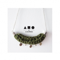 NECKLACE (OLIVE) at Blisby
