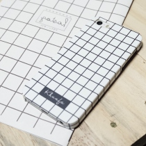 GRID PLAIN AND SIMPLE เคสโทรศัพท์ at Blisby