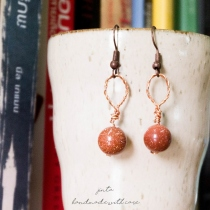 ต่างหู | copper wire wrapped hoops | gold sand stone at Blisby