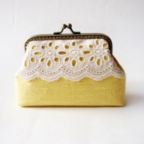 Lace Card Holder กระเป๋าใส่นามบัตร สีเหลือง at Blisby